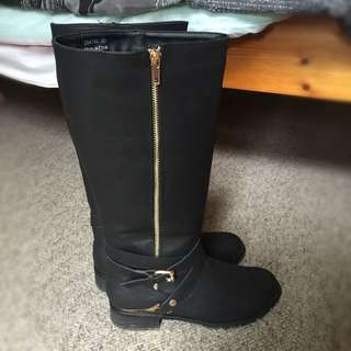 Black Leather Boots/gold Buckles