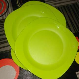 New!! Tupperware Blossom Plate