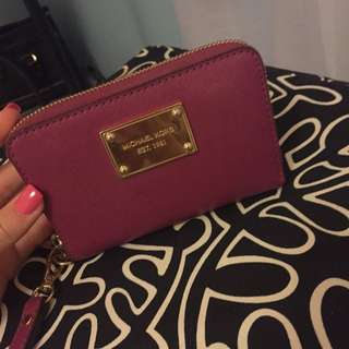 Micheal Kors iPhone 4s Wristlet