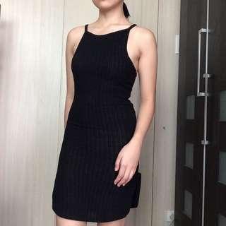 Narrow Straps Sleeveless Black Dress