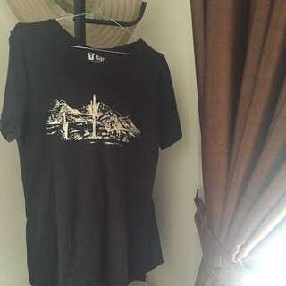 Black Tshirt By Cotton On