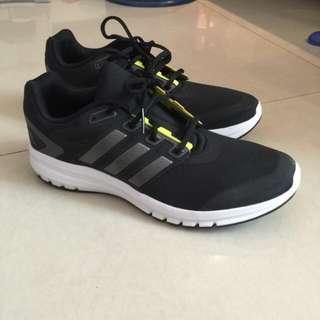 (暫售)Adidas 慢跑鞋