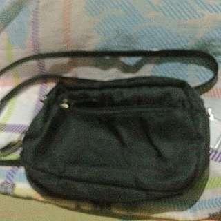 AYLA SLING BLACK BAG