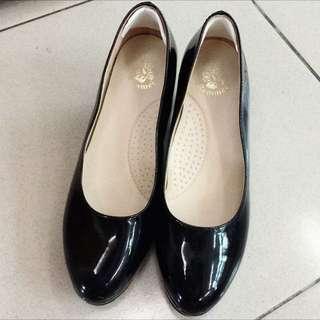 🙆黑色跟鞋