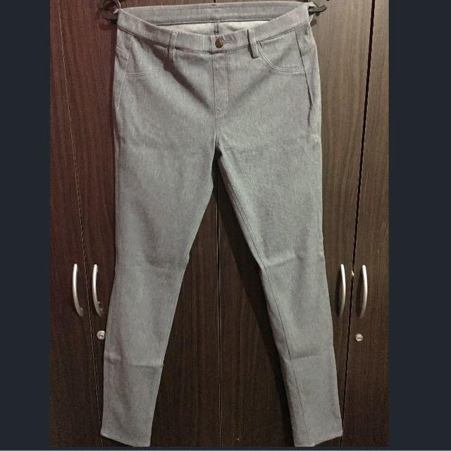 *RESERVED* 2 Uniqlo Skinny Denim Leggings Pants