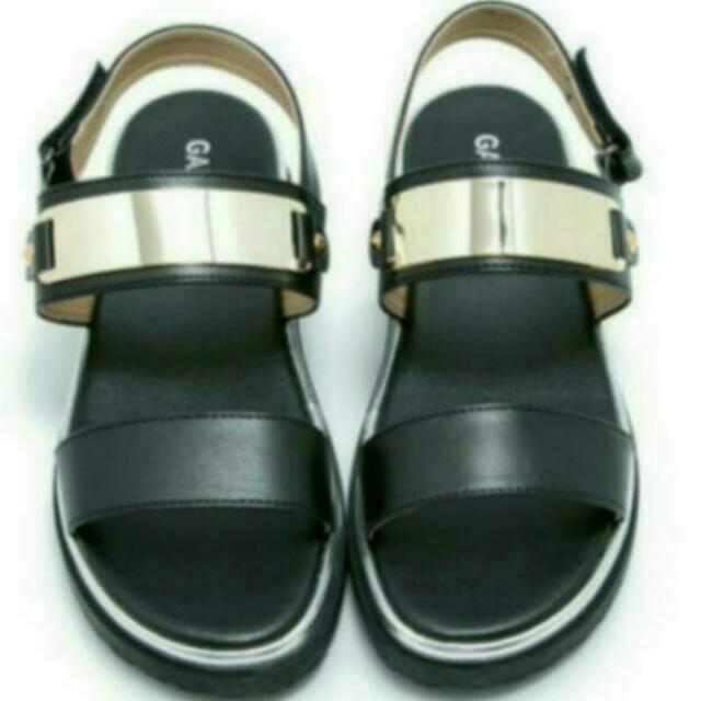 金屬厚底涼鞋