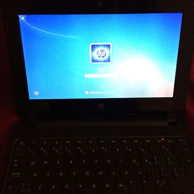 Black HP Mini Windows 7