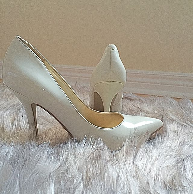 GUESS size 5 /5.5 Heels