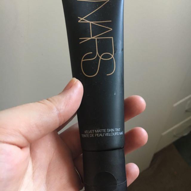 Nars Velvet Matte Skin Tint In Finland