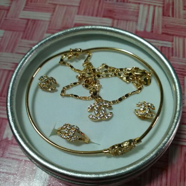 One Set Jewelry (For Kids)