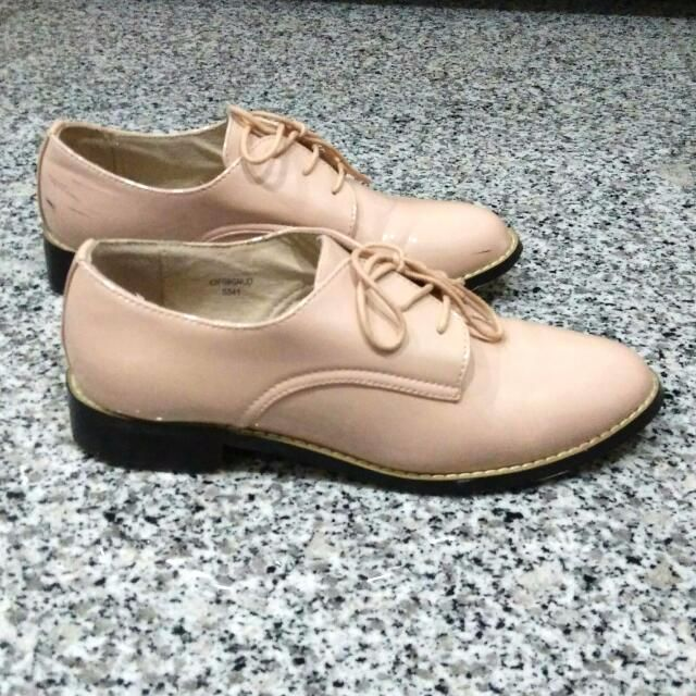 {Reserved} TOPSHOP Oxford Style Shoes In Pink/Beige