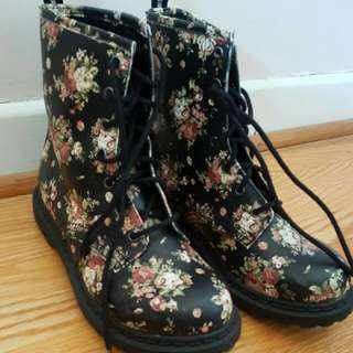 Floral Print Boots Size 7
