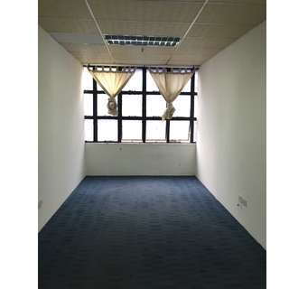 Budget Office/storage space for rent from $800/-