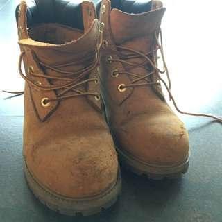 Timberland經典黃靴(大童款)成人可穿