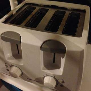 White Black And Decker Toaster
