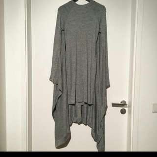 CAPE DRESS IN GRAY