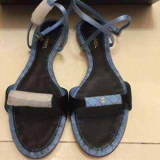 CHANEL細帶釦環涼鞋