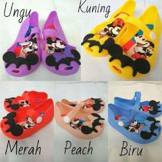 Sepatu Gel Lucu For Baby Girl 😘😍bahan Lembut Loh..GRAB IT FAST mom 😍