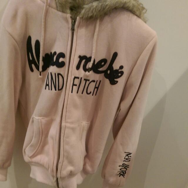 粉色刷毛保暖外套