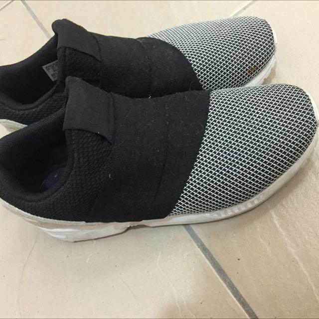 Adidas 黑白拼接繃帶鞋