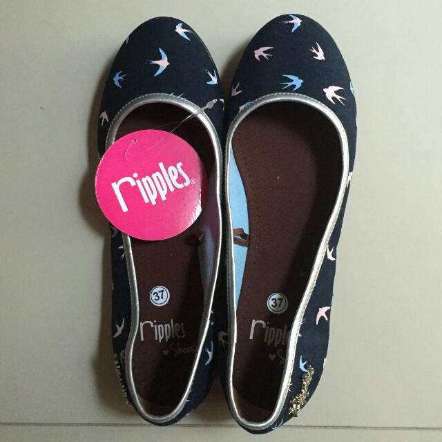 Flat Shoes by Ripples