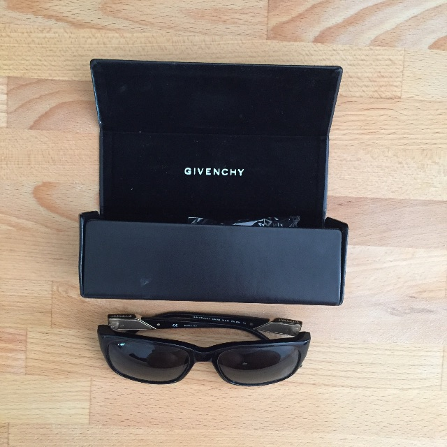 Givenchy - Sunglasses