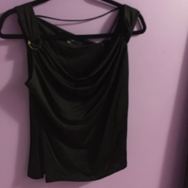 **RESERVED**GUESS Top - M/M