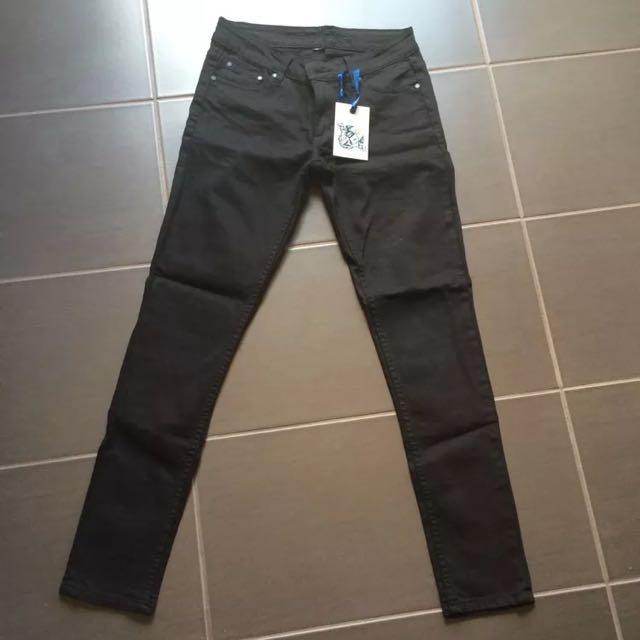 Henleys Plain Jane Black Denim Jeans Size 30-34
