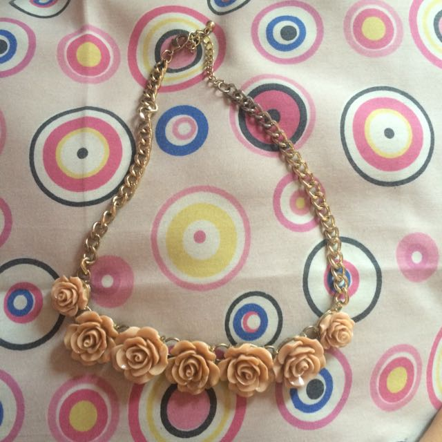 Kalung , Accessories