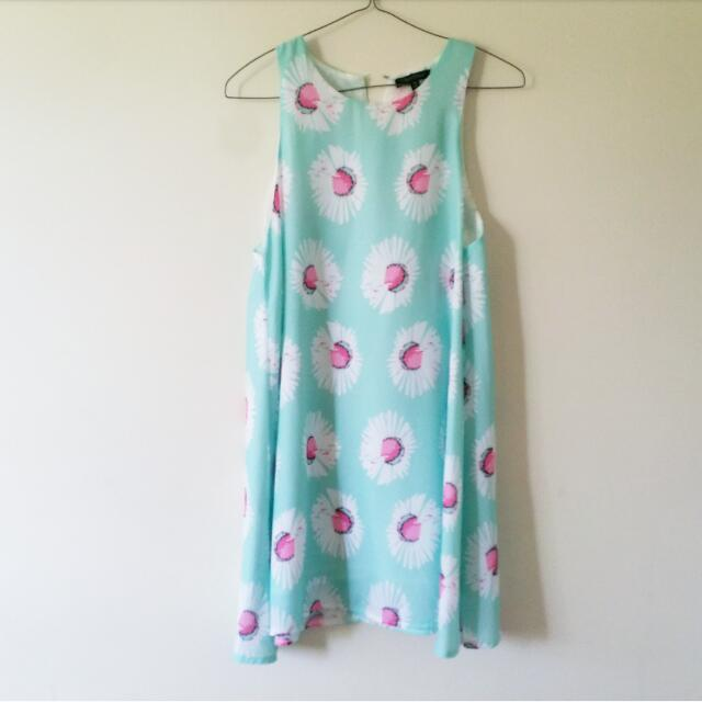 Light Mint Short Sleeve Shift Dress With Daisy Print
