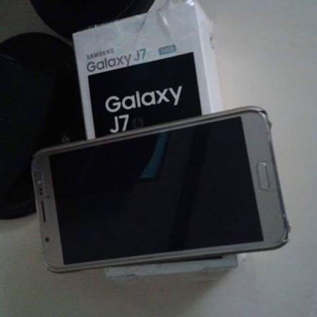Pre-loved Samsung J7 2016 Series