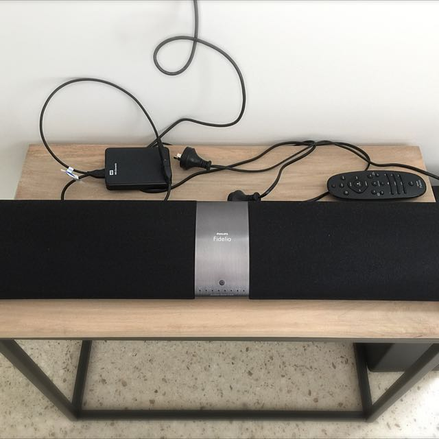 Philips Fidelio Soundbar Speaker