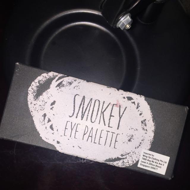 Topshop Smokey Eye Palette