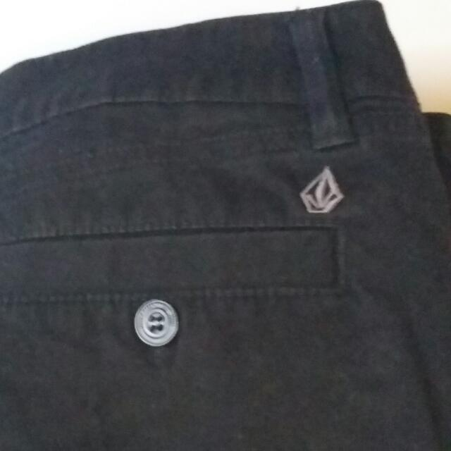 Volcom Black Pants Full Fitted Length Size 10