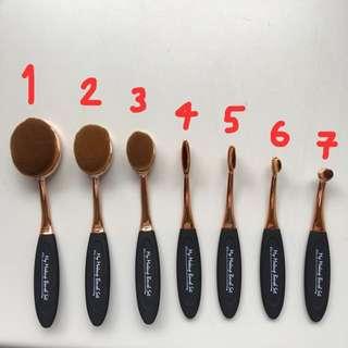 現貨✨牙刷粉底刷 Oval brush