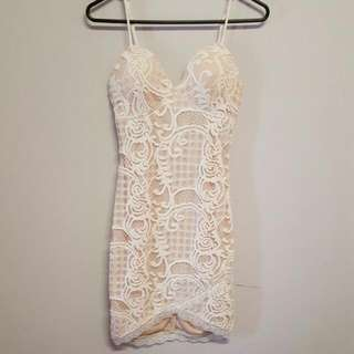 Xenia Boutique Lace Dress Size 6