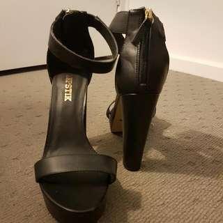 Lipstik Heels Size 10