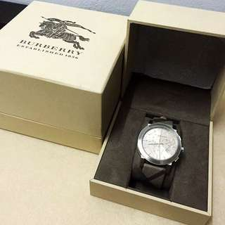 Burberry Watch (Authentic)