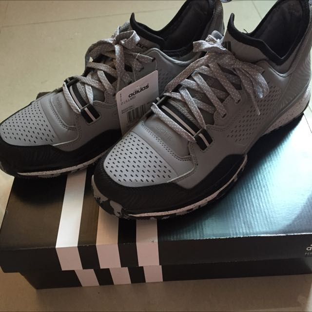 Adidas D LILLARD