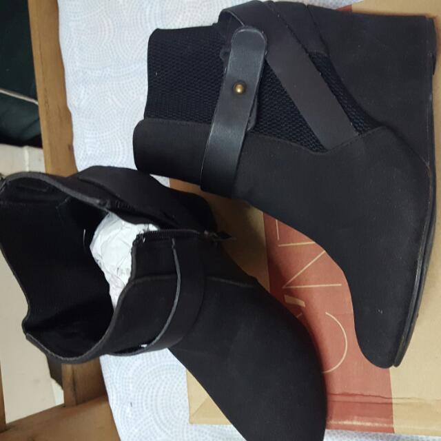 C'NTRO shoes