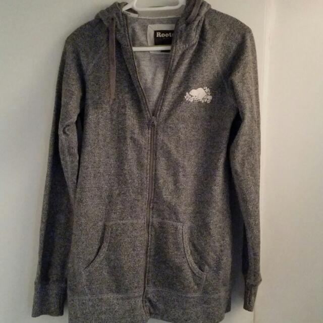 Grey Roots Sweater Size Medium