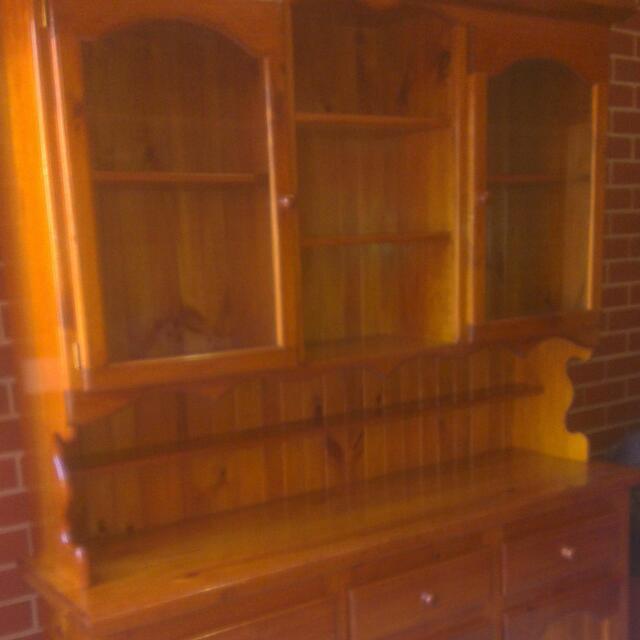 Kitchen Dresser& Tv Unit