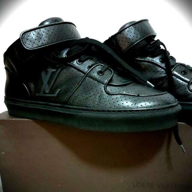 Louis Vuitton Acapulco Triple Black