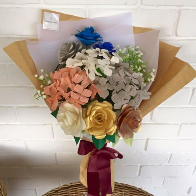 Mix bouquet (Hydrangeas + origami roses)