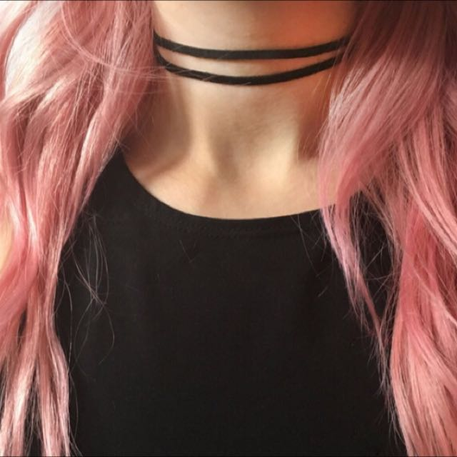 Multi Layer Choker With Adjustable Chain At Back