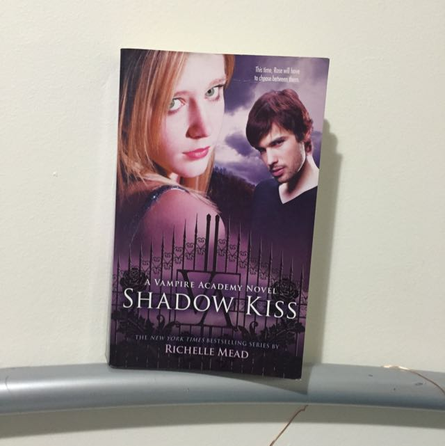 Shadow Kiss (vampire academy #3) by richelle mead