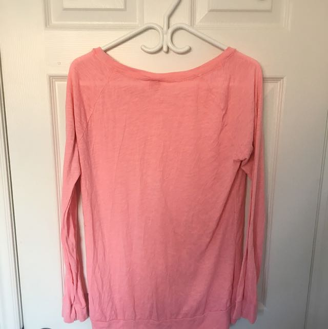 VS PINK LONG SLEEVE TOP