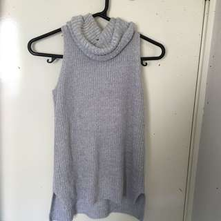 Sleeveless Turtleneck Knit