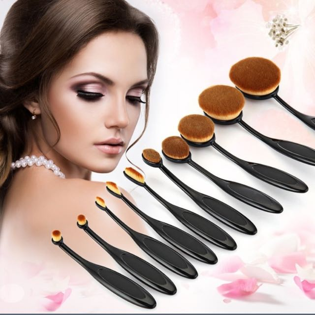 10pc set Oval Make up Brushes - 3 available