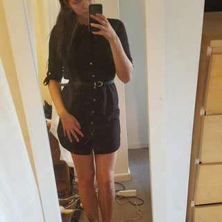 Dress Size M (Belt Is Not Included)